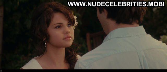 Selena Gomez Ramona And Beezus Celebrity Posing Hot Nude Scene