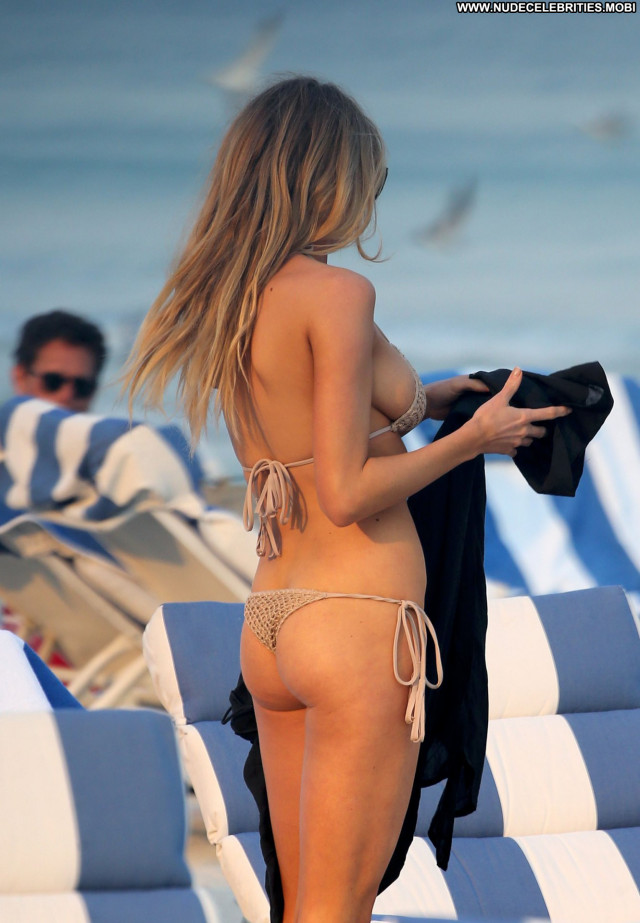 Charlotte Mckinney No Source Candids Hot Posing Hot Bar Bombshell
