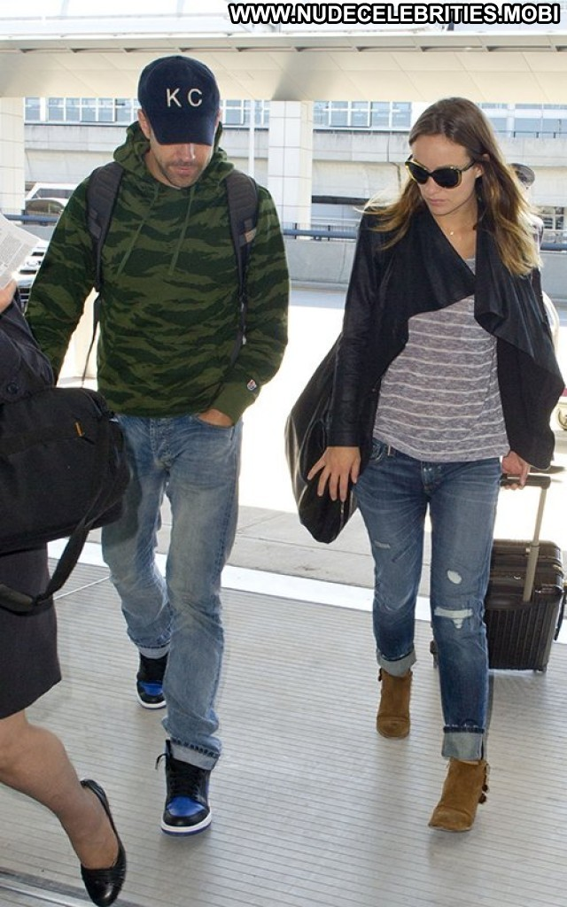 Olivia Wilde Jfk Airport In Nyc Nyc High Resolution Babe