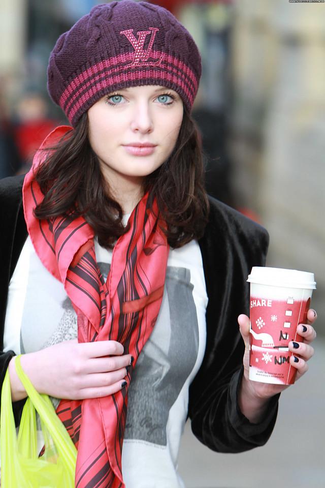 Helen Flanagan Shopping Beautiful Shopping Posing Hot High Resolution
