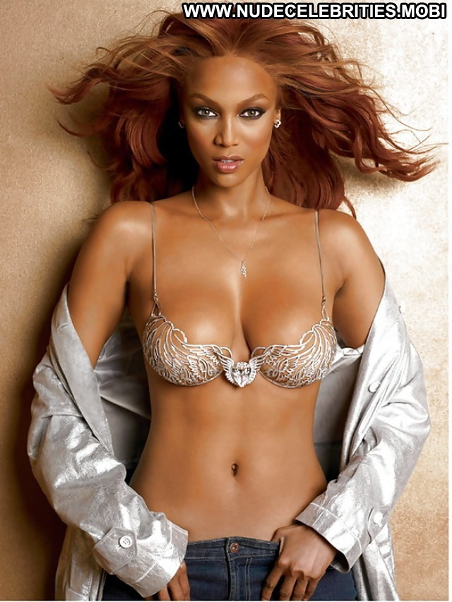 Tyra Banks Pictures Celebrity Ebony Hot Gorgeous Beautiful Nude Scene