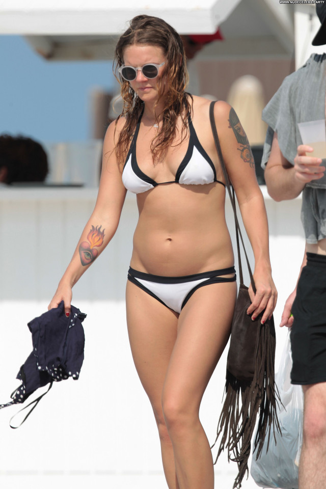 Tove Lo The Beach Singer Babe Bikini Nice Posing Hot Celebrity