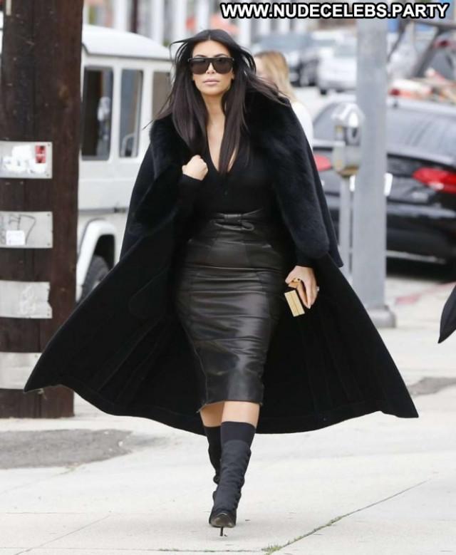 Kim Kardashian Babe Paparazzi Beautiful Celebrity Posing Hot Hd