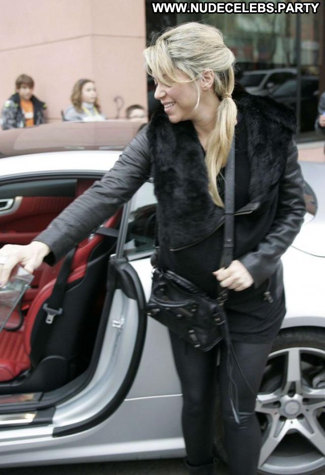 Shakira Pants Celebrity Babe Bar Beautiful Posing Hot Leather