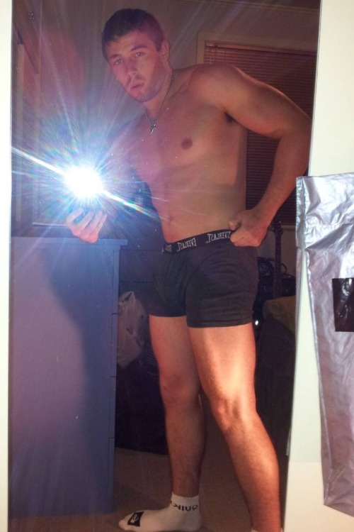 Muscular Guy With Soft And Hard Wiener  Nude Amateur Guys