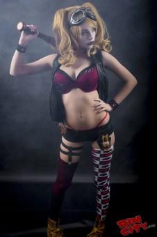 Harley-Quinn-Nude-Rin-City-Cosplay-03-K7Kc6oA