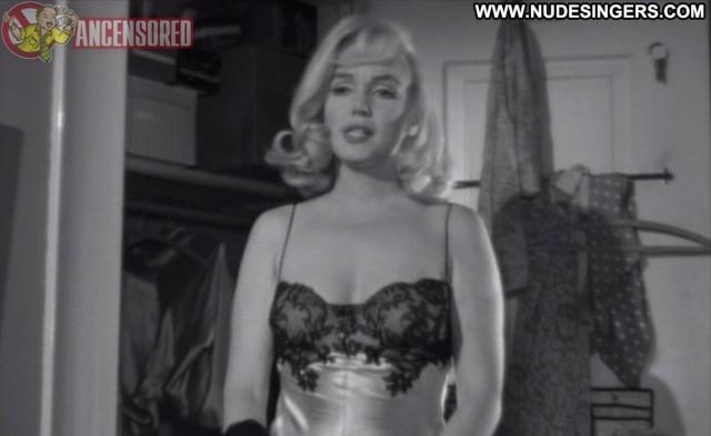 Marilyn Monroe The Misfits Nice Gorgeous Blonde Playmate Singer