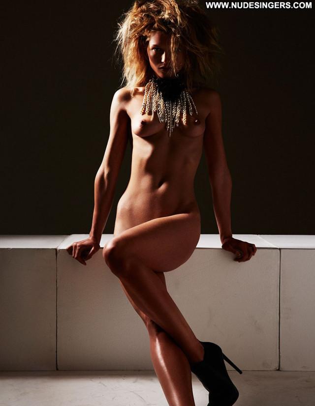 Zoe Hardman No Source India Beautiful Posing Hot Boobs Big Tits Babe