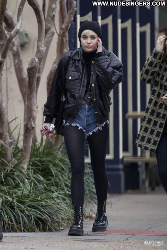 Miley Cyrus Celebrity Posing Hot Beautiful Paparazzi Babe Shorts