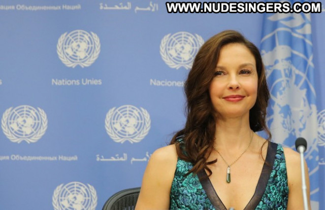 Ashley Judd Celebrity Babe Beautiful Posing Hot Paparazzi Sexy Hd