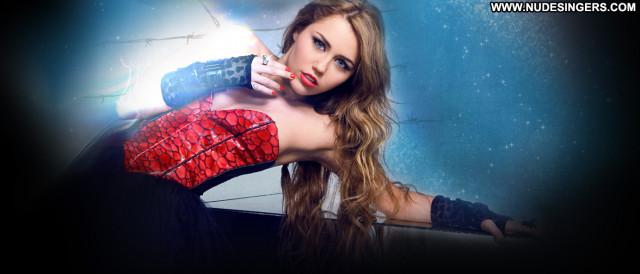 Miley Cyrus Posing Hot Celebrity Babe Beautiful Female Gorgeous