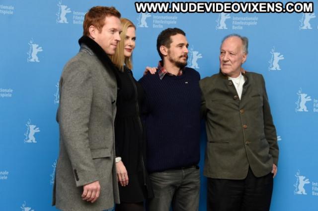 Nicole Kidman The Desert Celebrity Posing Hot Beautiful Babe Desert