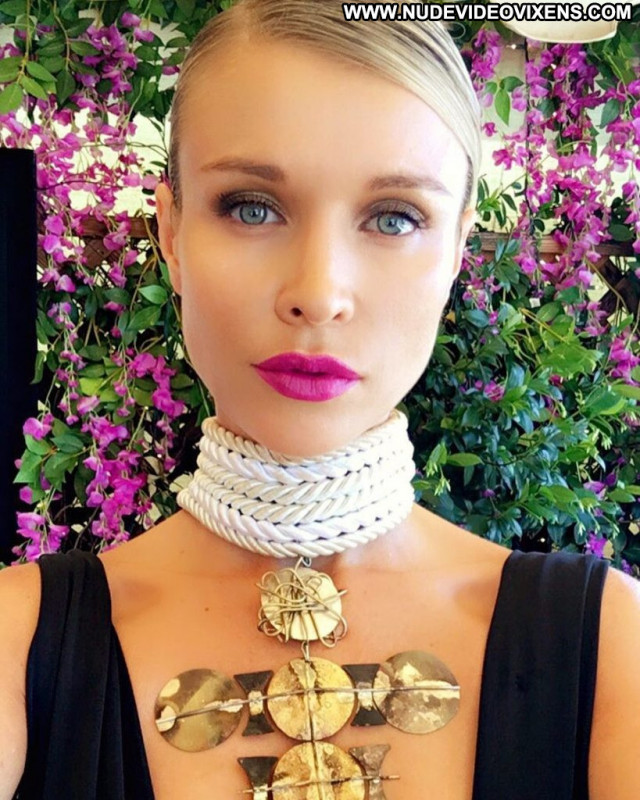 Amber Turner Anna Nicole Hot Sex Videos Xxx Toples Pokies Beautiful