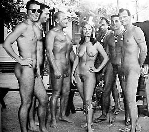 nude gamer girls