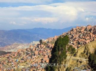 Vista de la ciudad de La Paz desde el mirador camino a El Alto