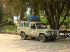 Para llegar a donde se toman los barcos se debe primero tomar un vehículo desde Rurrenabaque