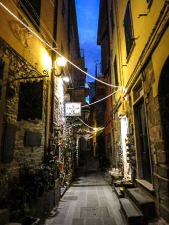 De paseo nocturno por Corniglia.