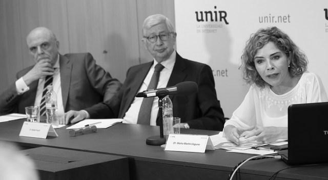 Miguel Ángel Garrido Gallardo (editor de Nueva Revista), Rafael Puyol (presidente del consejo asesor de UNIR) y Marta Martín Llaguno. Foto: © Josema Visiers