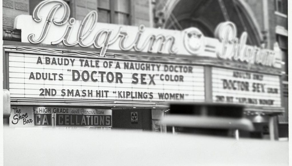Pilgrim Theater. En cartel: