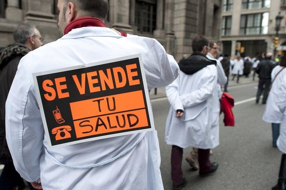 Protesta-contra-los-recortes-e_54366828893_54028874188_960_639