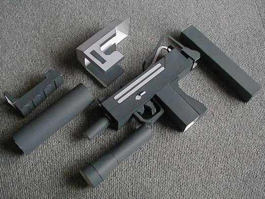 Luger Guns Look
