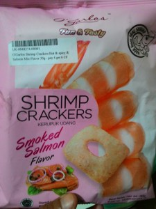 O Garlos Shrimp Crackers Smoked Salmon : Remuk Saja Masih Enak