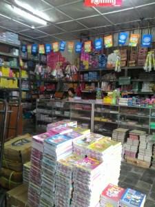 Toko Centraal Purwokerto : Book Store & Stasionery Lengkap Yang Susah Parkirnya