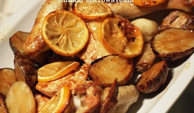 In de oven geroosterde kip met aardpeer, citroen en basilicum