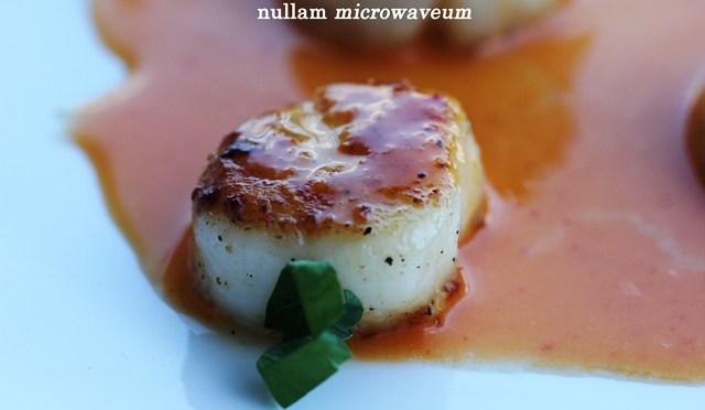 Sint-jakobsschelpen met Sriracha Beurre Blanc