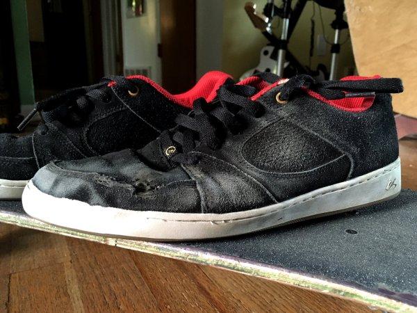 Nullozine Jr Archive Es Footwear Accel Slim Shoe
