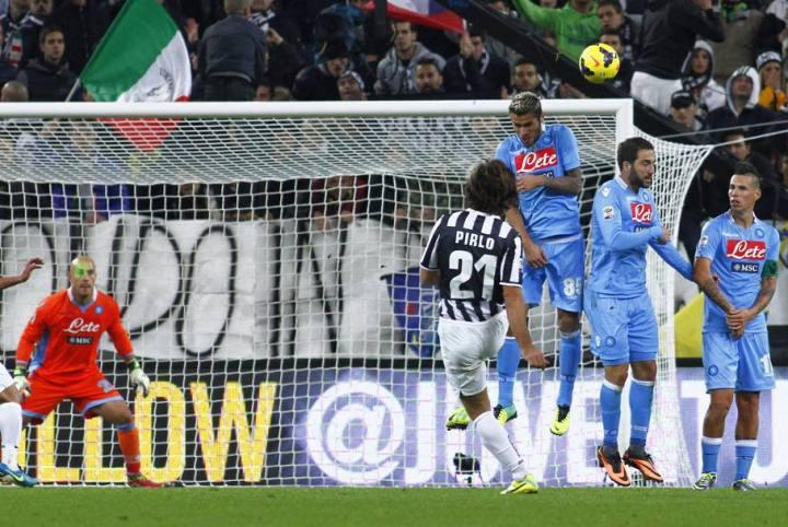 La meravigliosa punizione segnata al Napoli nel campionato 2013-2014