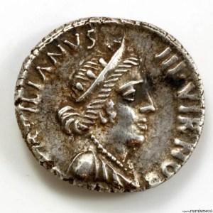 Auguste denier monnayage de Publius Petronius Turpilianus