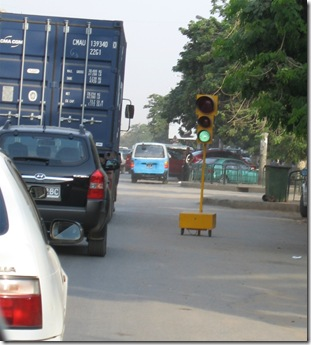 Day 17 - Traffic Lights - Luanda Style