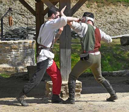 Comment se battaient les gens à l'époque médiévale?