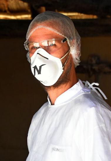 Quelle est la tenue officielle lorsqu'un infirmier travaille en réanimation?