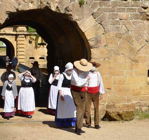La danse traditionnelle rémoise, la branle interprétée par Les Jolivettes
