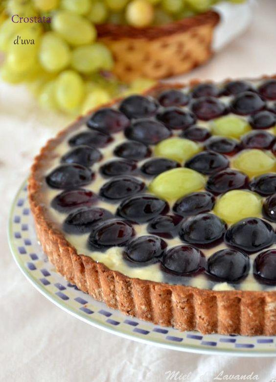 Crostata d'uva e crema