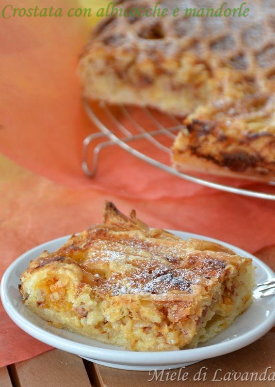 Crostata con albicocche e mandorle