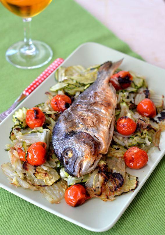 Orata al forno con zucchine e patate