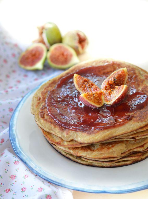 Pancake ai fichi con farina di avena e yogurt senza burro