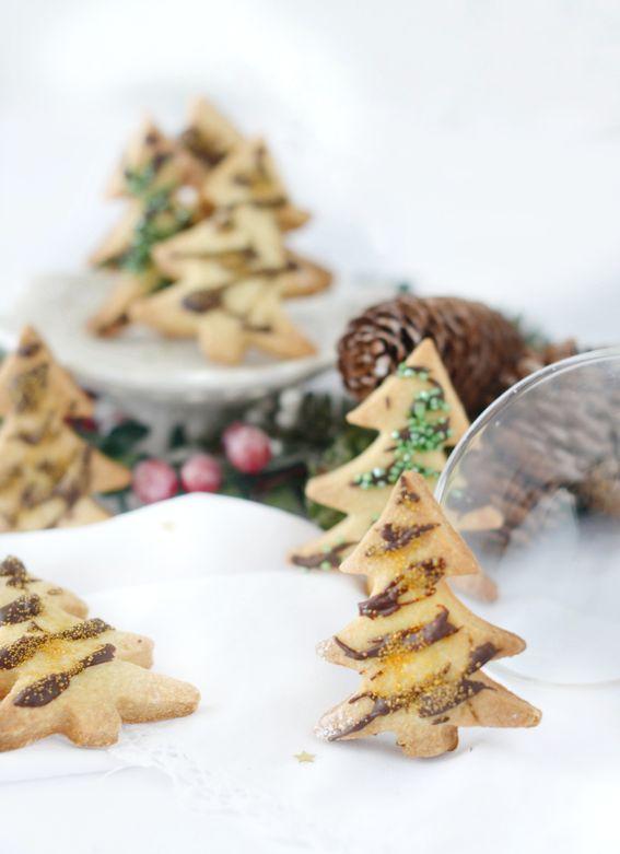 Biscotti alle mandorle con sabbia di zucchero