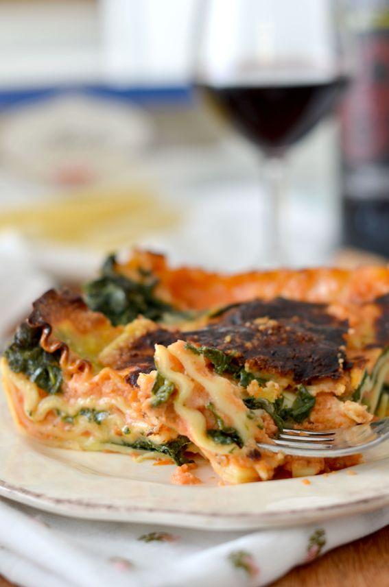 Pasta al forno con spinaci caciotta e salsa di besciamella