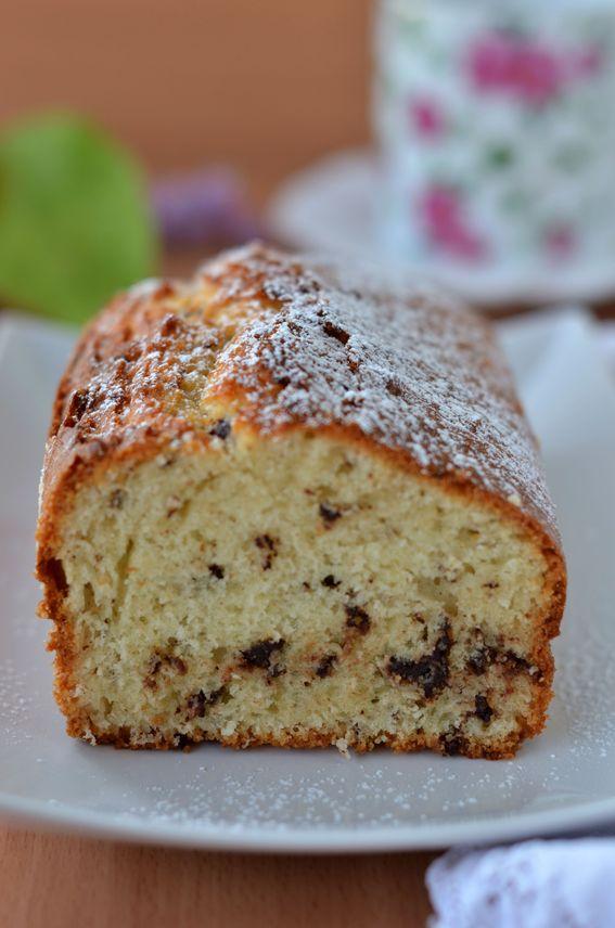 Plumcake senza burro con farina di cocco e cioccolato fondente
