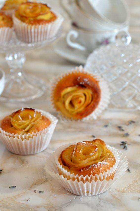 Muffin soffici all' acqua senza burro con rose di mele