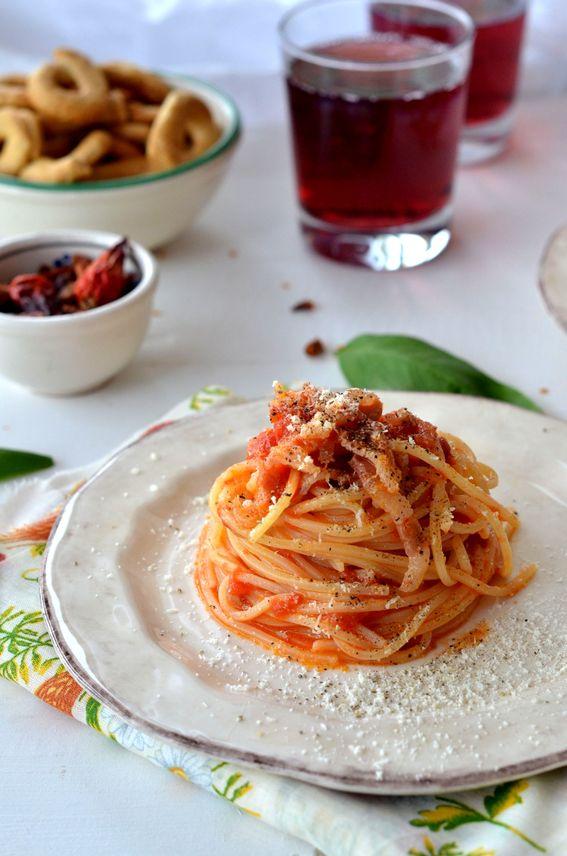 Spaghetti all amatriciana ricetta della tradizione Italiana