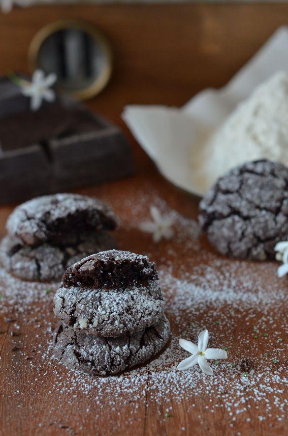 Biscottini morbidi al cioccolato fondente e semi di vaniglia
