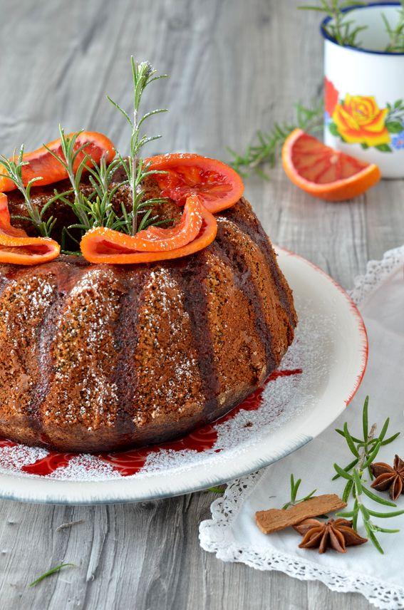 Torta di arancia e semi di papavero con arancia caramellata