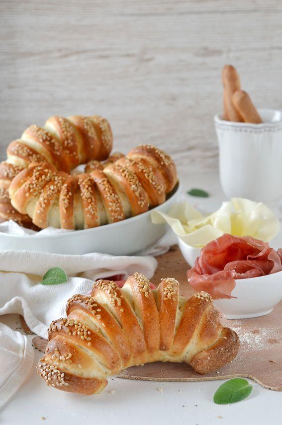 Cornetti semidolci più soffici con olio ricetta delle Sorelle Simili