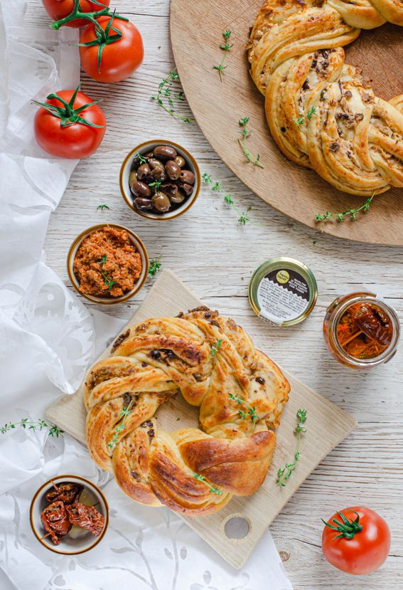 Angelica salata con pate di pomodori olive ricotta e tonno