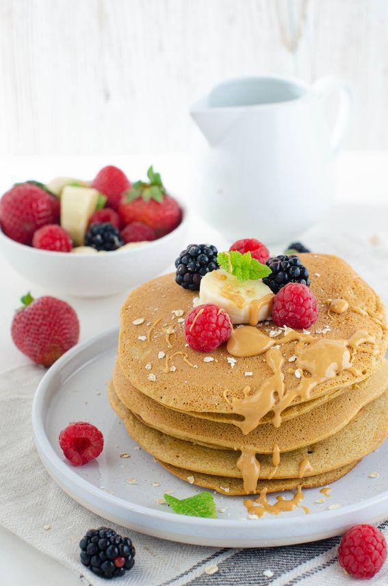 Pancake leggeri con farina di avena e burro di arachidi